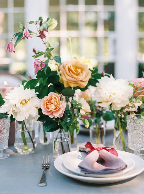 flores para decoração de mesa ao ar livre