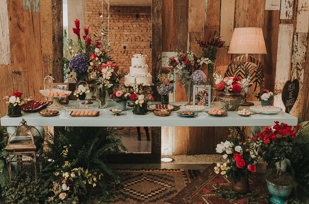 mesa de doces na Casa Manioca