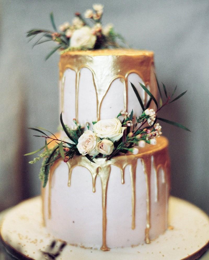 dripping cake metalizado com flores