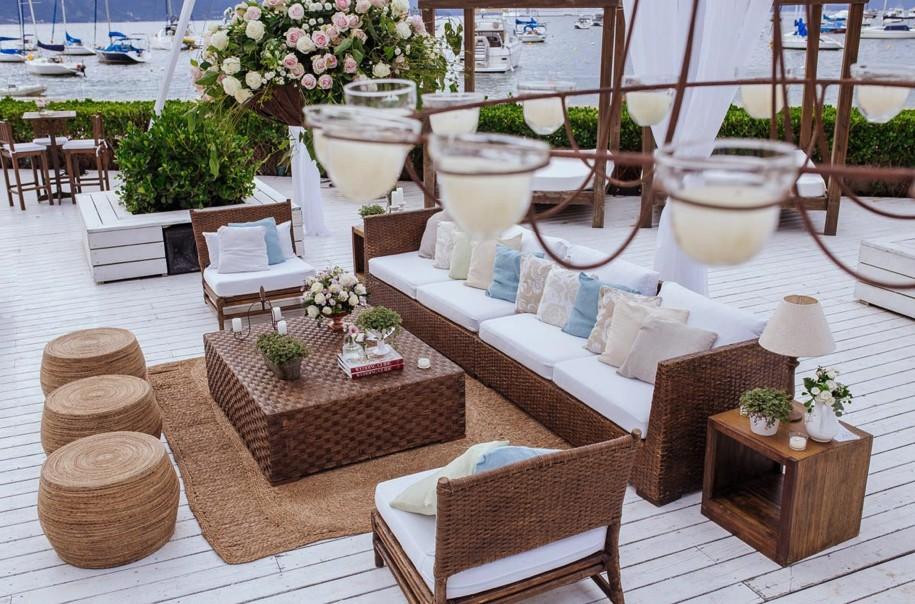 decoração de espaço para casamento na praia