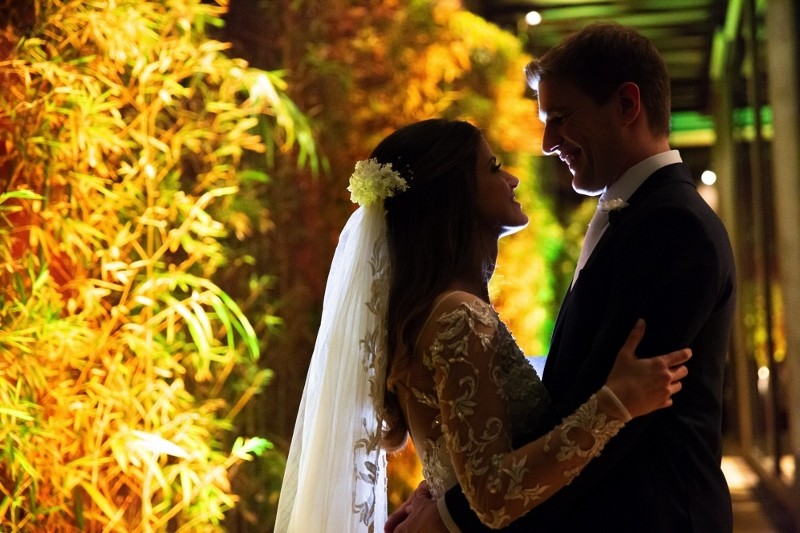 foto dos noivos depois da cerimônia de casamento