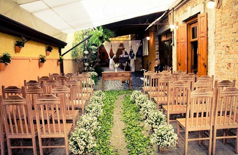 Local para cerimônia no interior do Tiella, espaço para casamentos em São Paulo.