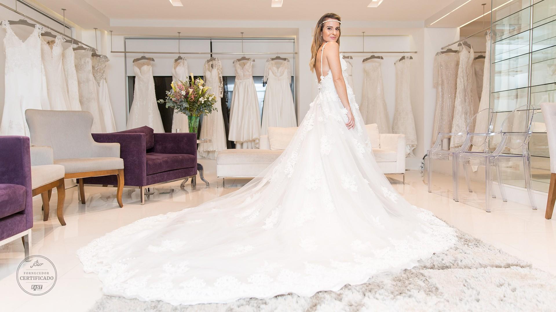 Modelo de vestido de noiva para aluguel na Black Tie.
