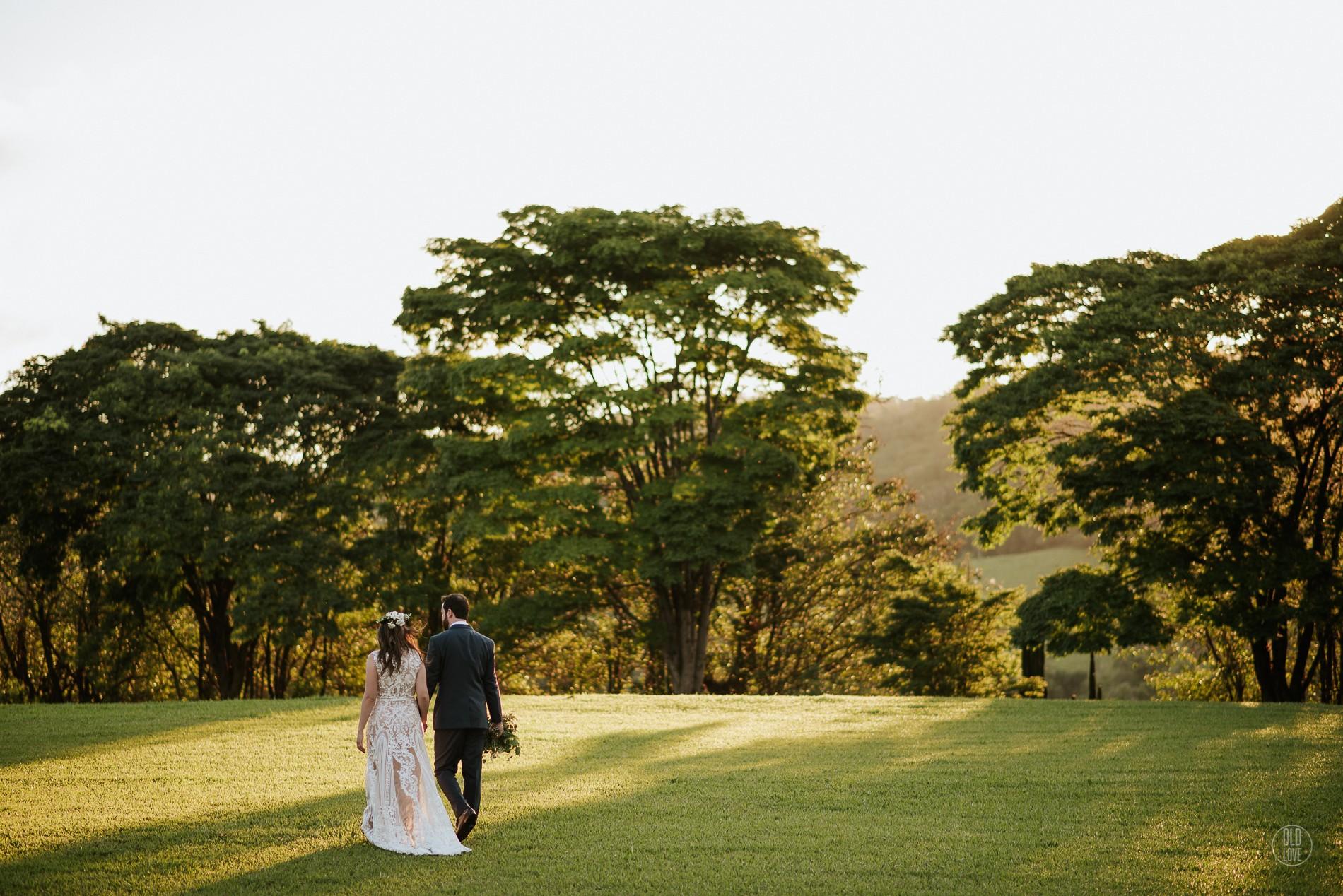 casamento rústico no campo ao ar livre