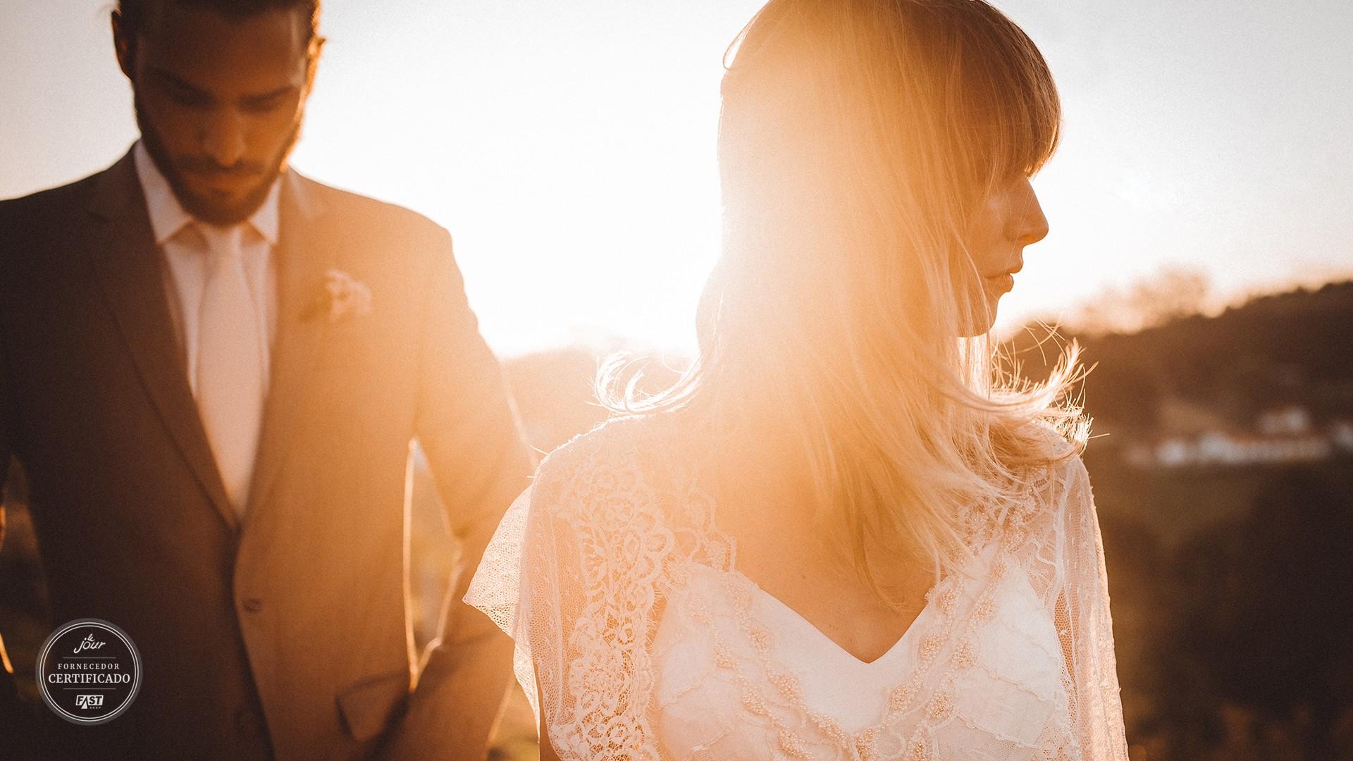 casal posando no ensaio de fotos do casamento