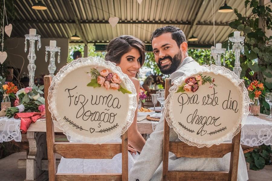 cadeira dos noivos personalizada