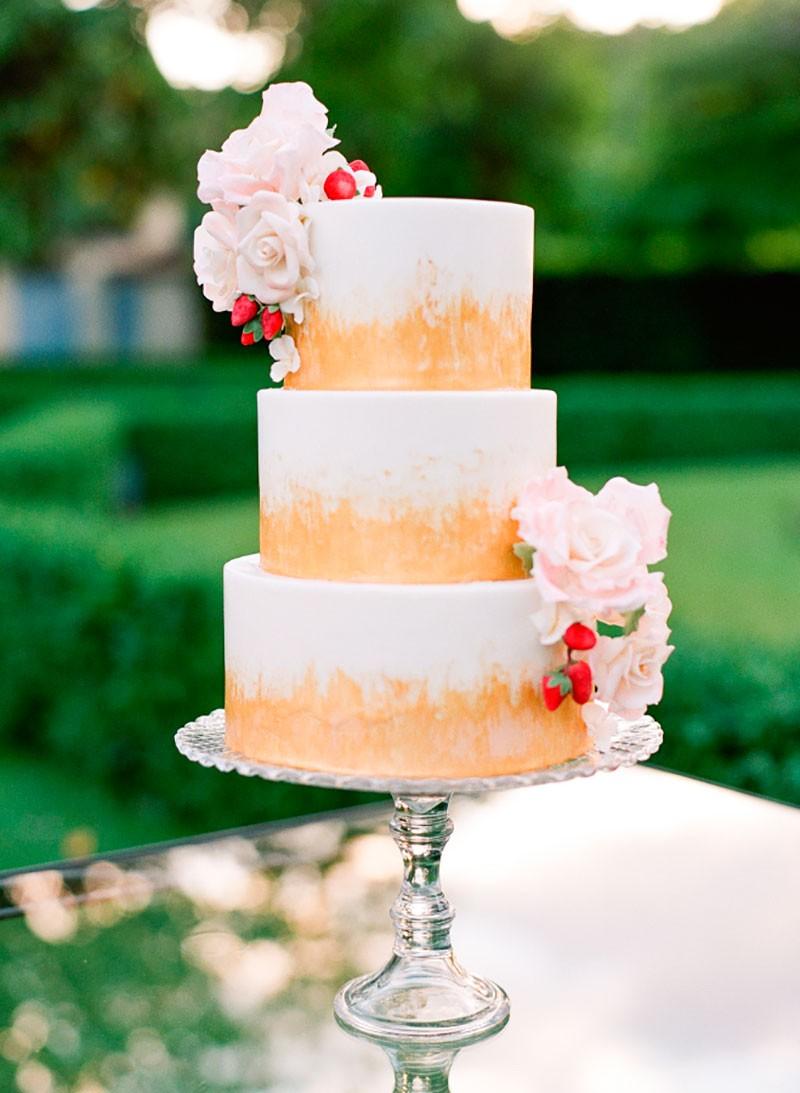 bolo de casamento pintado à mão para casamento ao ar livre