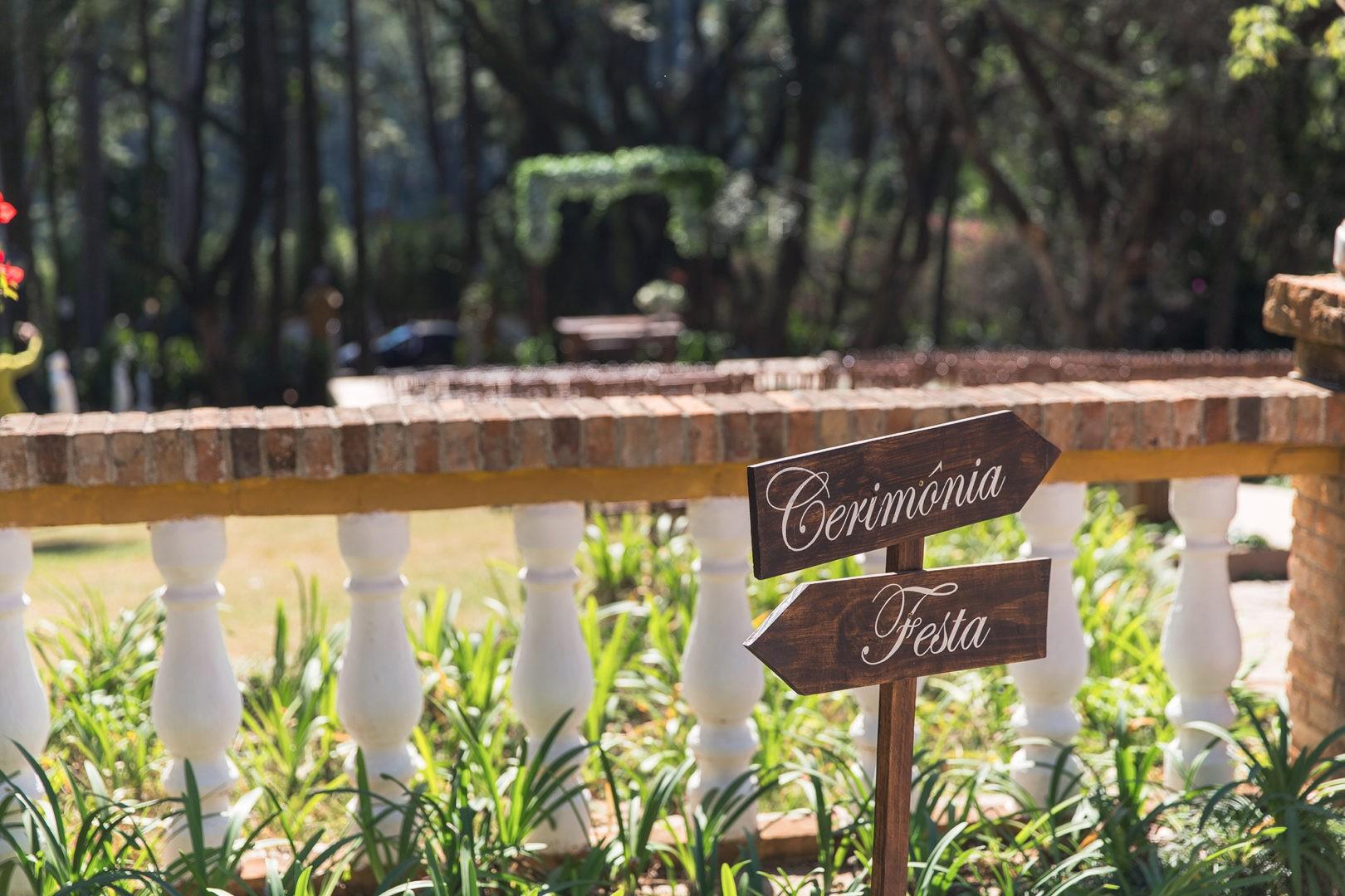 plaquinhas para casamento no campo