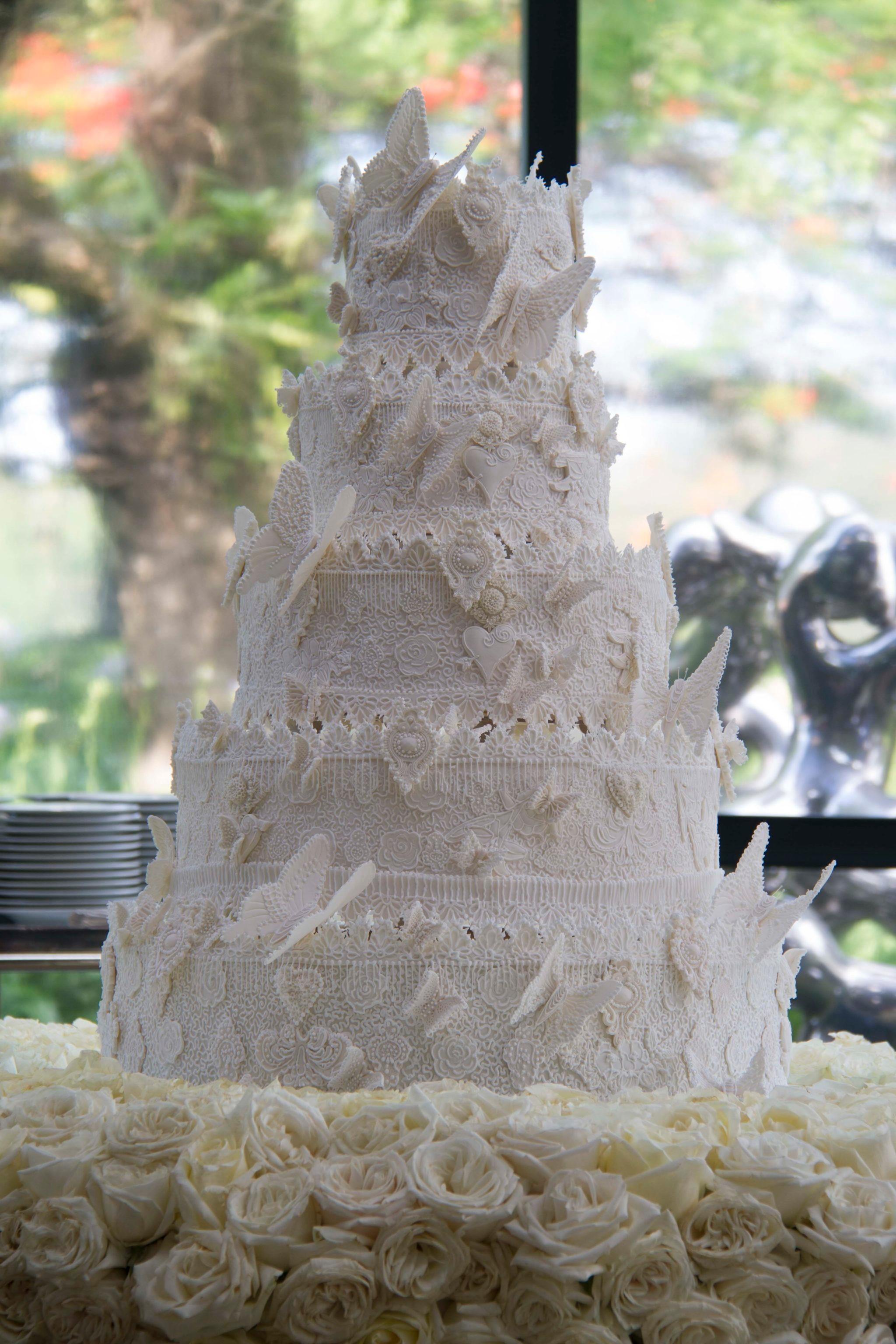bolo de casamento rendado