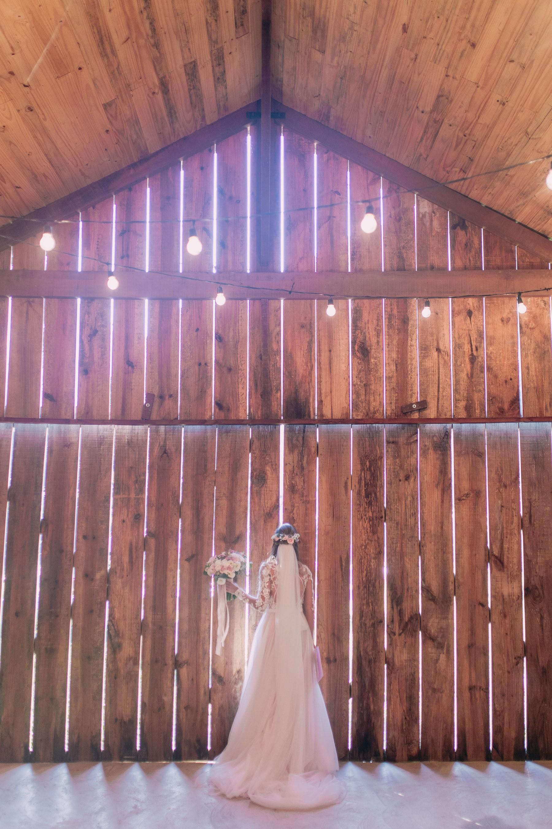 noiva em um casamento rústico no campo