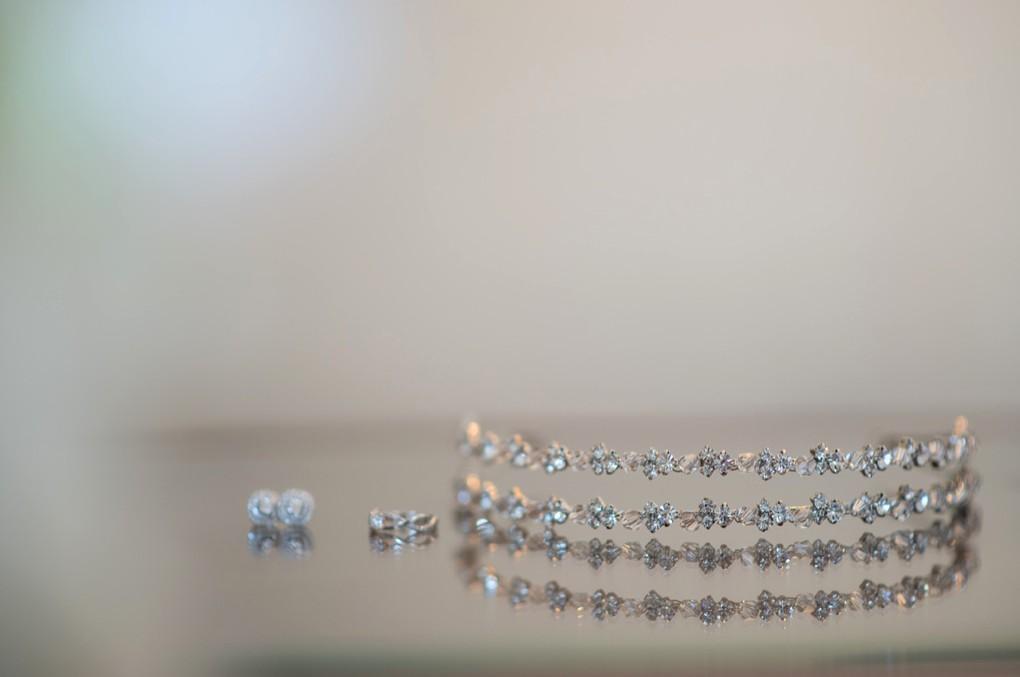 brinco e tiara da noiva