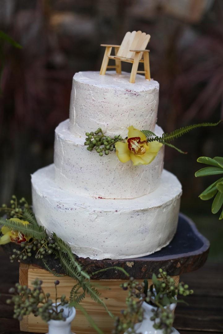 bolo de casamento espatulado para casamento na praia