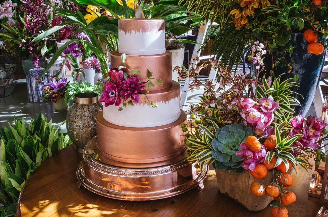 bolo de casamento metálico