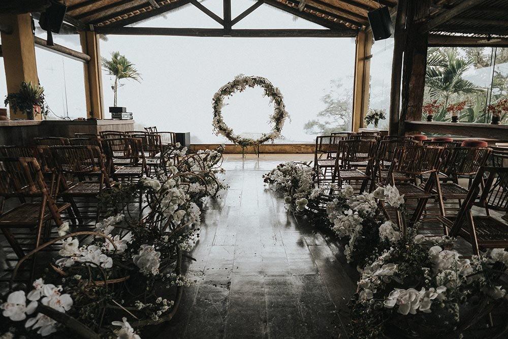 decoração de casamento rústico na praia