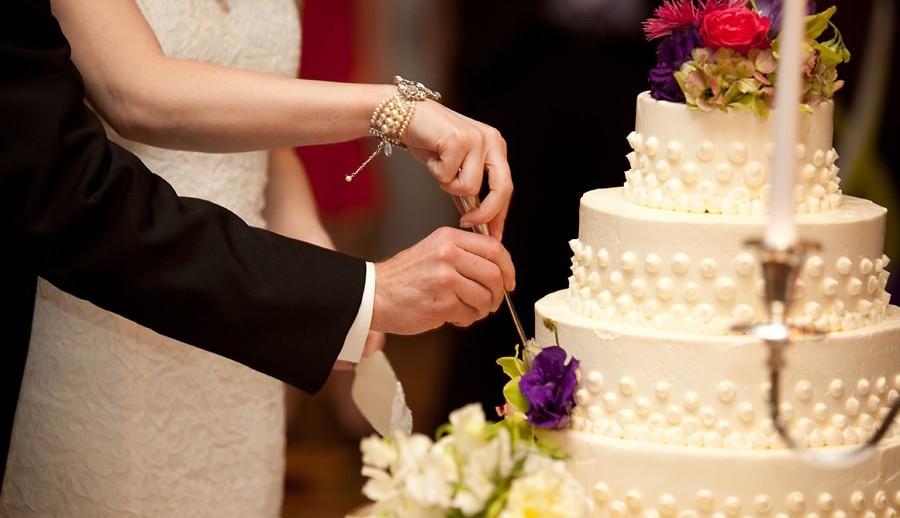 bolo de casamento decorado tradicional