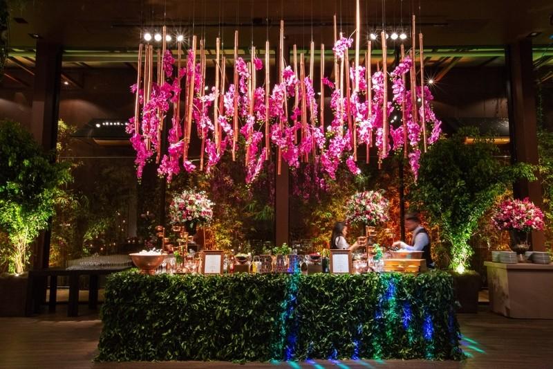 decoração aérea para o bar do casamento