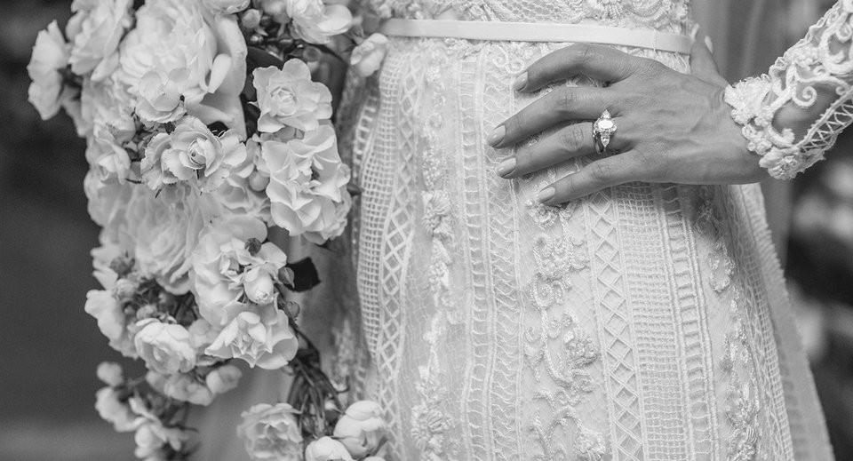 detalhes do vestido da noiva