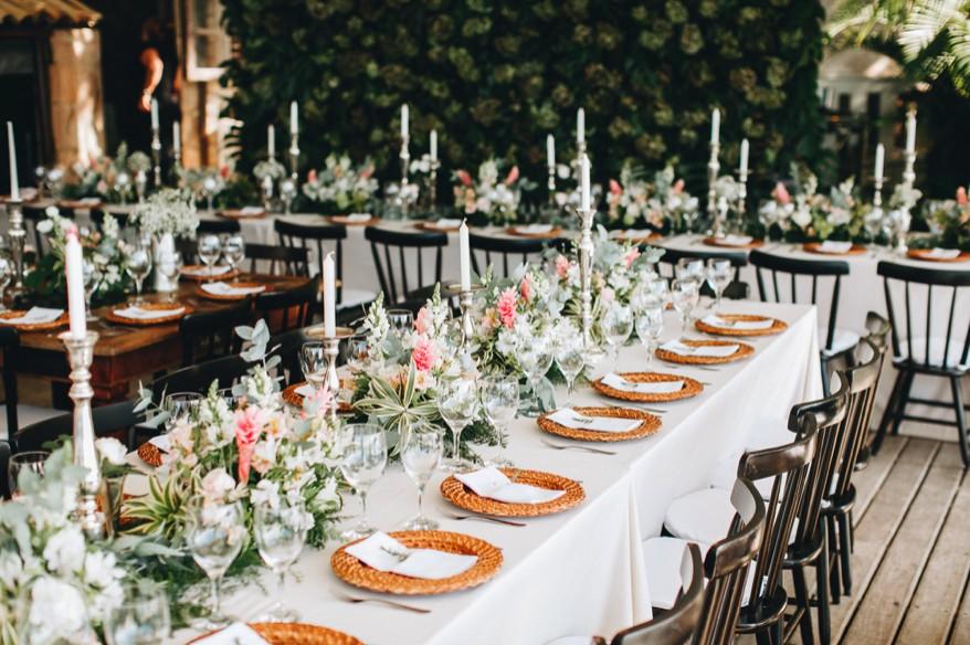 decoração de casamento clássica branca e verde
