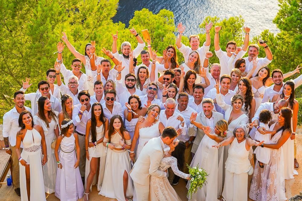 noivos e convidados em Ibiza