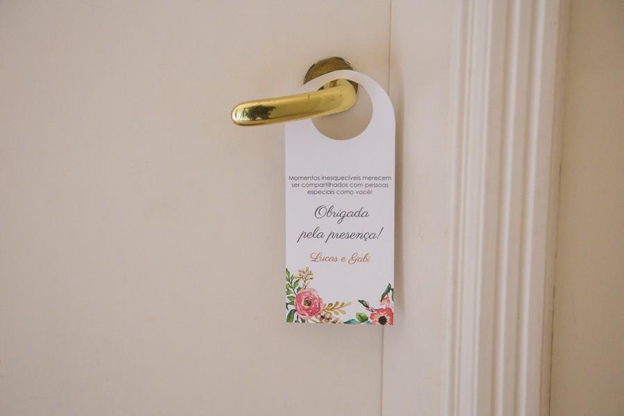 aviso de agradecimento na porta dos convidados