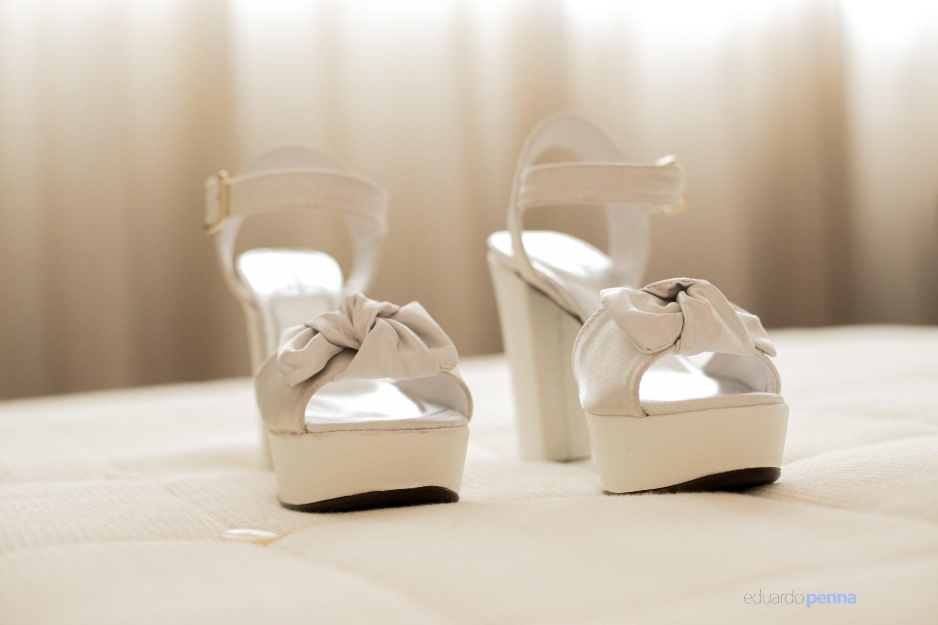 foto do sapato da noiva antes do casamento